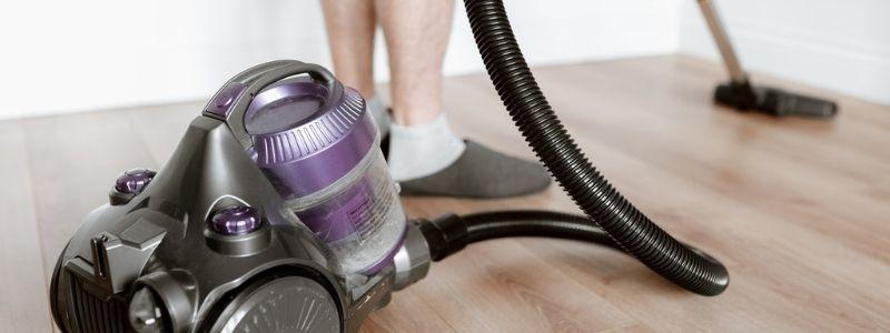 Comment utiliser les accessoires pour aspirateur ? Quand mettre la brosse ?